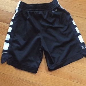 Nike Bottoms - Nike shorts 3t